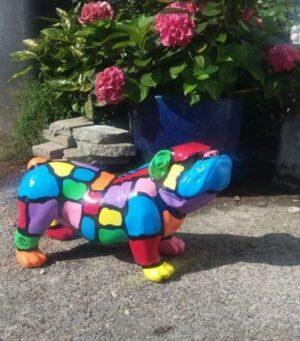Vrolijke beelden Een geschilder kunststof beeld van een engelse bulldog