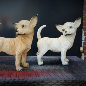 Kunststof beeldje van chihuahua hond