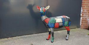 Kunststof tuinbeeld van een ree hert