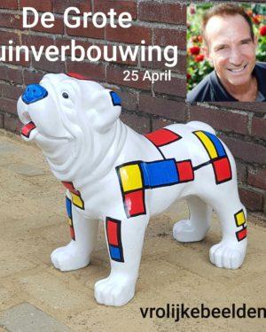 Beeld hond kleur van Rob Verlinden in aflevering de grote tuinverbouwing