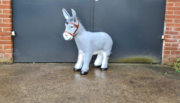 Polyester tuinbeelden en dierenbeelden, beeld koe, kalf, olifant, bulldog kopen bij Vrolijke Beelden