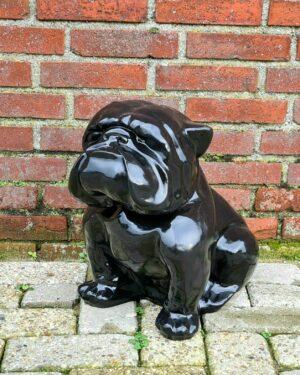 In België een groot kunststof beeld van een zwarte bulldog kopen